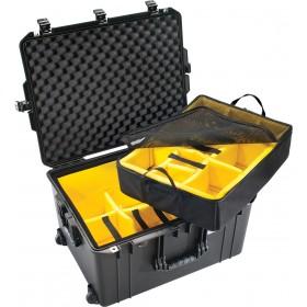 Peli Case 1637 AIR met klittenband vakverdeling