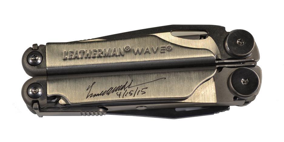 Persoonlijk gegraveerd Leatherman Wave ingeklapt